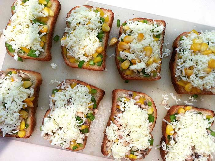 Vegetable Garlic Bread + Healthy version