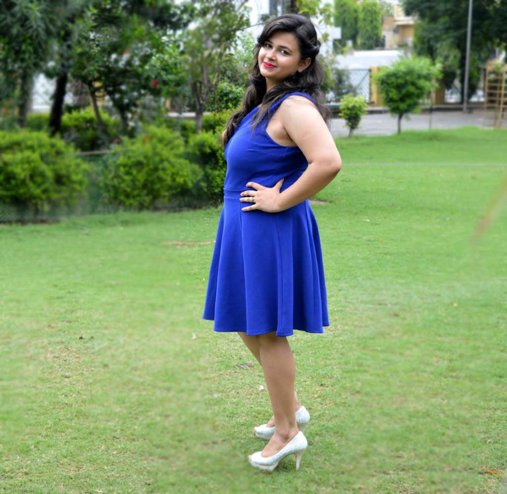Hiw to style blue skater dress
