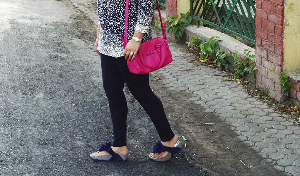 pink bag and blue chappals