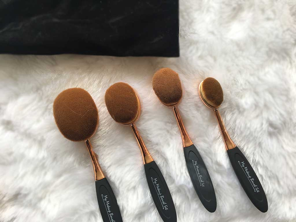 oval-rosegold-makeupbrushes